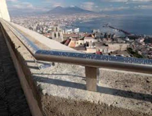 A Napoli un corrimano per raccontare un incantevole panorama ai non vedenti